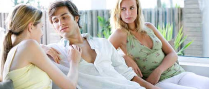 Top 10 signs that you have a possessive girlfriend - She will extremely jealous if you talk with other women