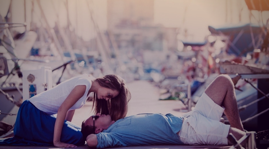 11 Ways to Make a Girl Feel Loved and Special-Be with her always