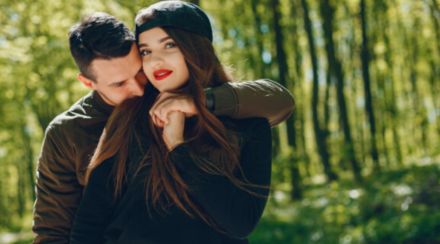 11 Ways to Make a Girl Feel Loved and Special-Set aside a few minutes for her reliably