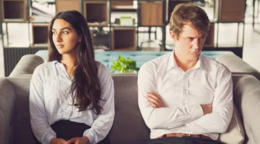 Signs He Lost Interest in your Relationship-Stops Making Plans
